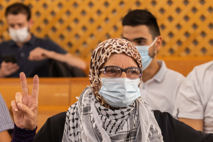 הפלסטינים כפרו בבעלות של המתנחלים. תושבת שייח' ג'ראח בדיון בעליון (צילום: יונתן זינדל / פלאש 90)