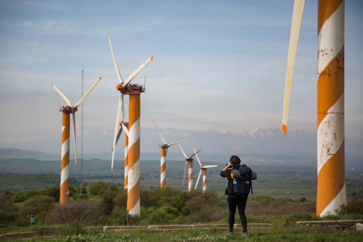תפוקת האנרגיה ממקורות מתחדשים עלתה ב-50% לעומת 2019. טורבינות רוח ברמת הגולן (צילום: הגס פרוש / פלאש 90)