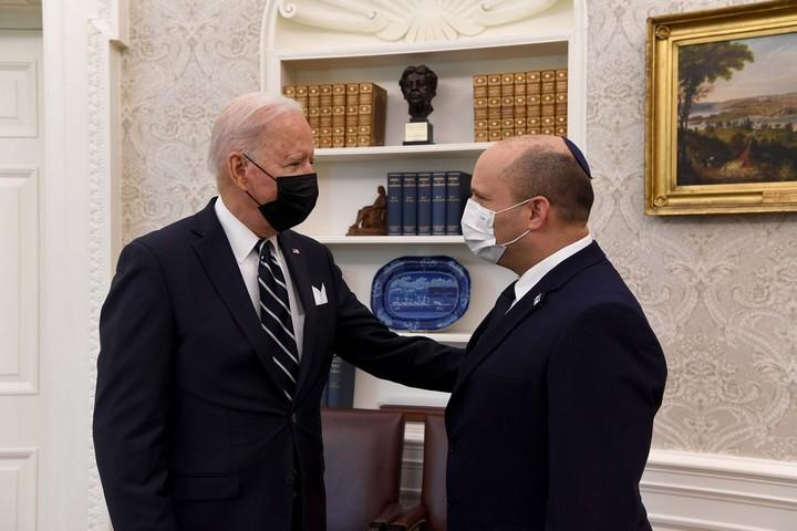 """נשיא ארה""""ב, ג'ו ביידן, נפגש עם ראש הממשלה, נפתלי בנט, בבית הלבן בוושינגטון, ב-27 באוגוסט 2021 (צילום: אבי אוחיון, לע""""מ)"""