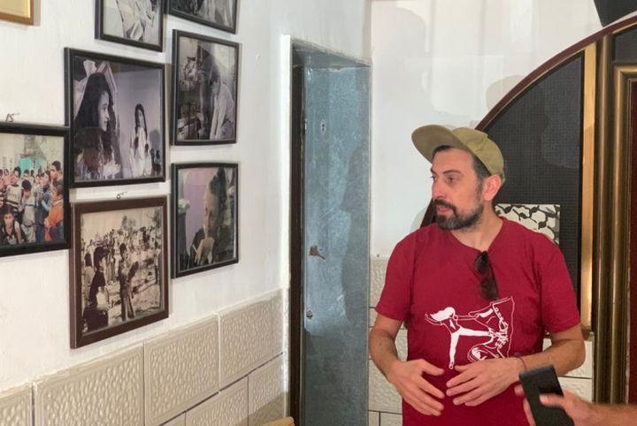 זכריא זבידי נתן לי הזדמנות להיות מישהו אחר. אחמד אל-טובאסי בתיאטרון החירות בג'נין (צילום: יובל אברהם)