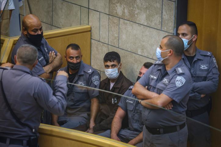 החזירו את סוגיית האסירים לשיח. האסירים הבורחים בהארכת מעצר (צילום: דוד כהן / פלאש 90)