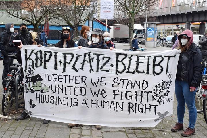 הפגנה בקריאה למשאל עם על הפקעת דירות בברלין, בפברואר 2021 (צילום: Uwe Hiksch, CC BY-NC-SA 2.0)