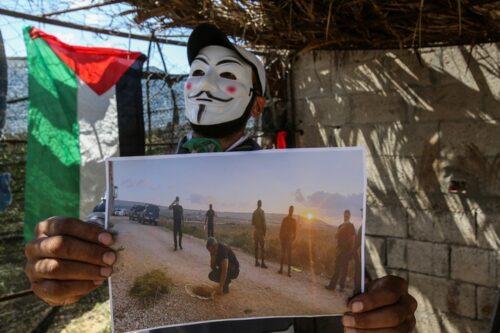פלסטיני במסיכה בבית חנון, צפון רצועת עזה, ב-6 בספטמבר 2021 (צילום: עטיה מוחמד / פלאש90)