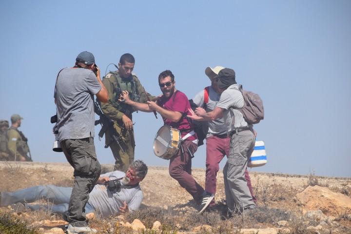 חיילים הפעילו אלימות קשה נגד מפגינים בדרום הר חברון