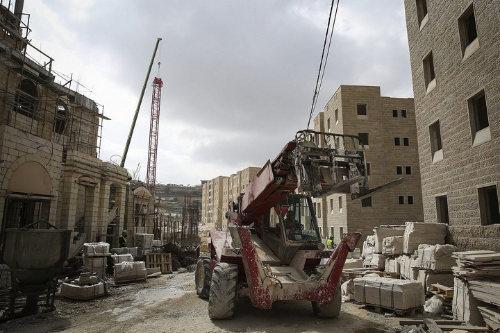 בנייה ברוואבי, ב-23 בפברואר 2014 (צילום: הדס פרוש / פלאש90)