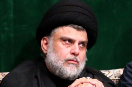 מתנגד למעורבות זרה - איראנית ואמריקאית. מוקתדא אל-סאדר, שזכה בהכי הרבה מושבים בבחירות בעיראק (צילום: ויקימדיה CC BY 4.0)